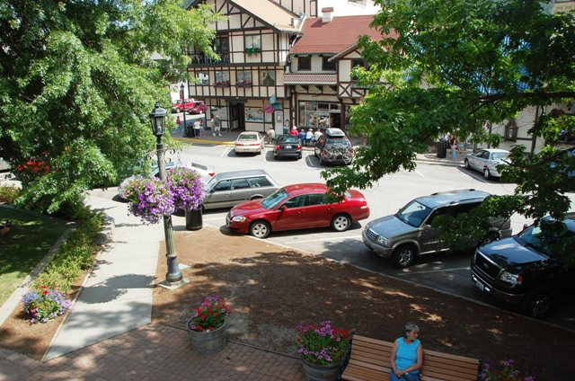 Leavenworth_-_sidewalk_