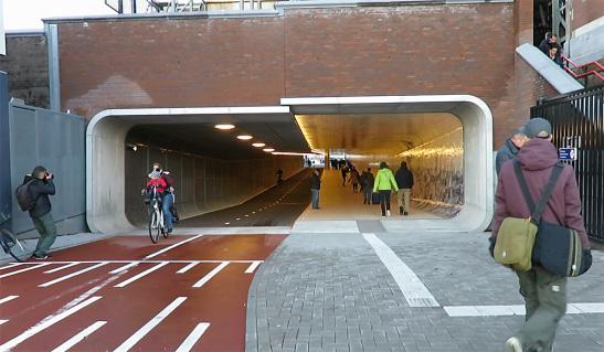 Amsterdam.Tunnel.1
