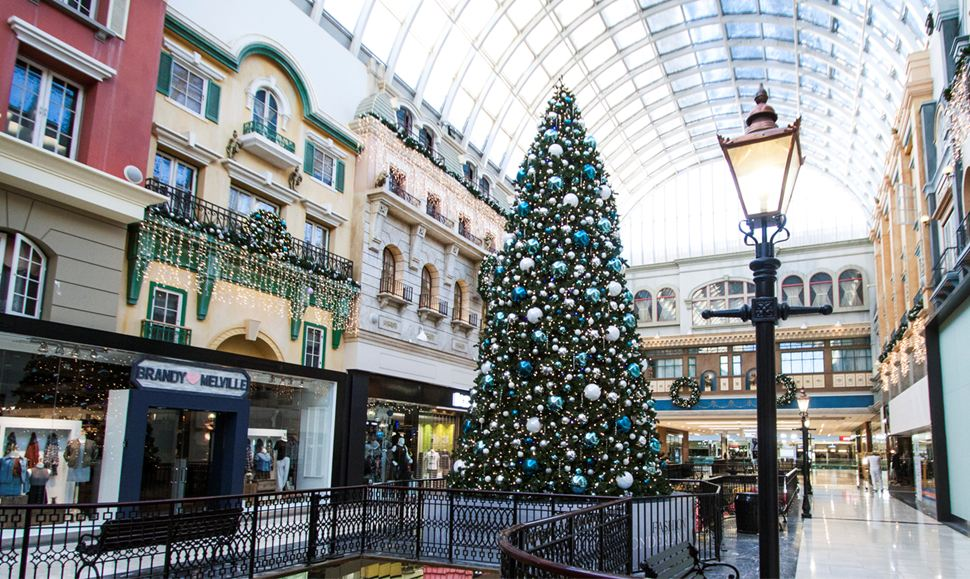west-edmonton-mall-christmas