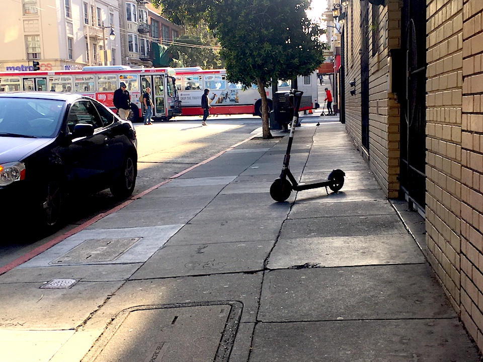 scooter_on_post_st