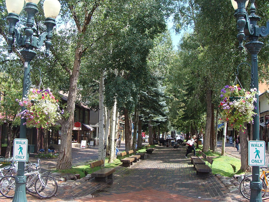 Aspen_Pedstrian_Mall_PublicSpace.jpg.1080x0_q100_crop-scale