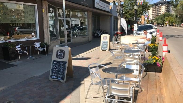 parking-patio-on-broadway-avenue-saskatoon-august-2017