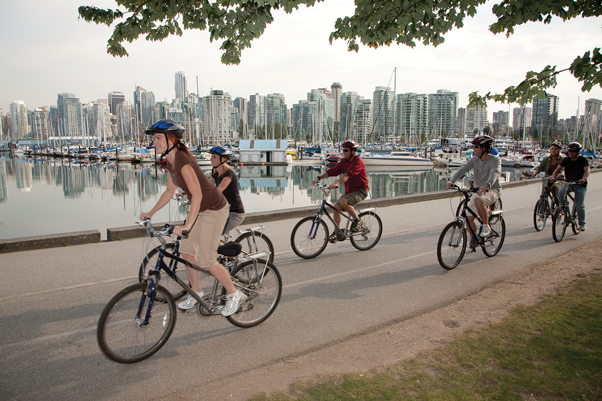 group_cycling_on_seawall_credit_Tourism_Vancouver__Coast_Mountain_Photography_1200x800