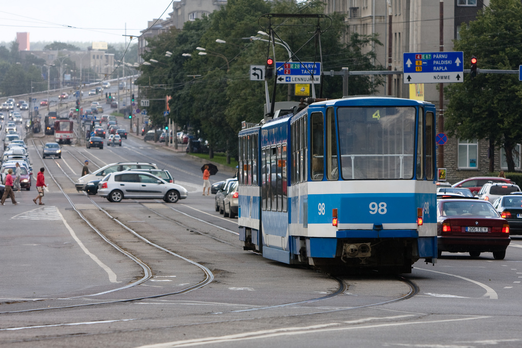 """Featured image for """"Estonia free transit didn't reduce auto travel (but did walking)"""""""